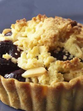 Mini Cherry Almond Crumble Tarts - Vanilla recipes - Taylor and Colledge